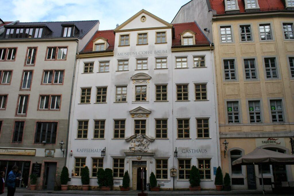 """Das Haus """"Zum Coffe Baum"""" wurde schon 1556 erstmals erwähnt und ist ein kultur- und kunstgeschichtliches Baudenkmal - zu finden in der Kleinen Fleischergasse 4"""