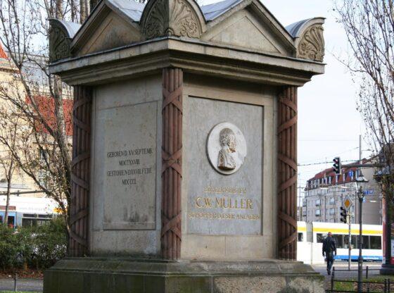 Denkmal von Bürgermeister C-W-Müllerinden in den Promenadenanlagen