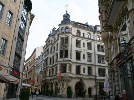 bekanntes Restaurant Zills Tunnel im Leipziger Barfußgässchen