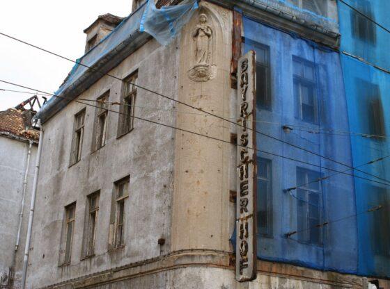 """das alte und verlassene Hotel """"Bayrischer Hof"""" in der Innenstadt neben dem Hbf in der 13"""
