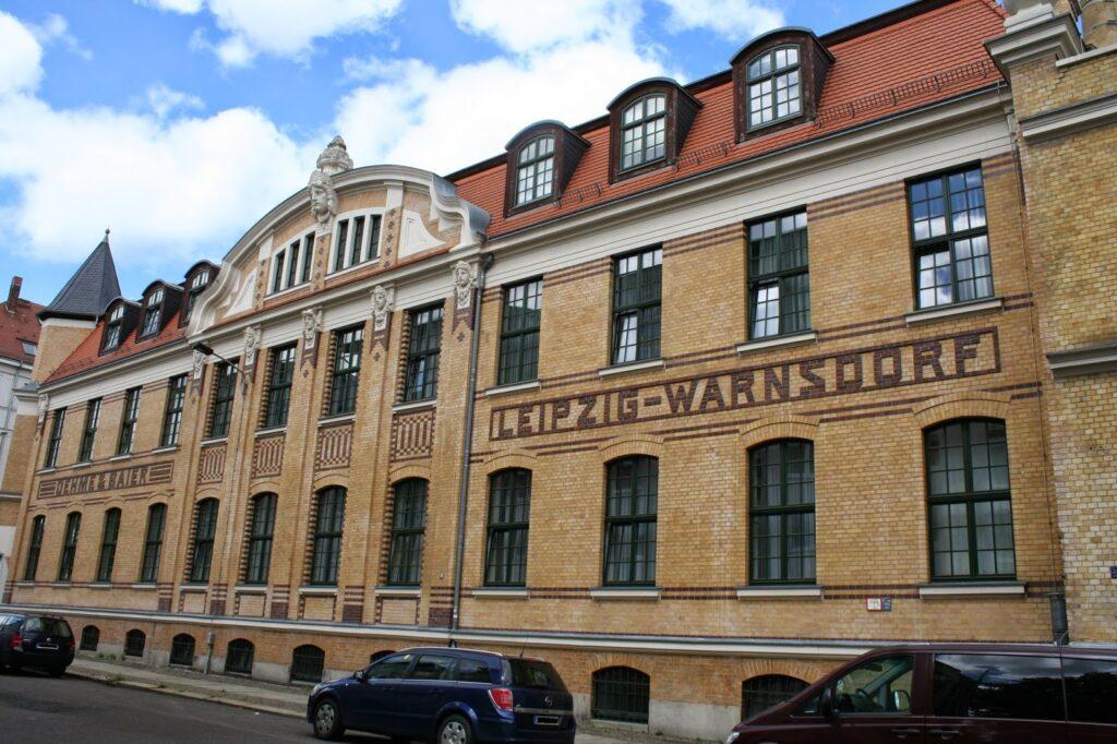 """Gebäude mit der Aufschrift """"Oehme & Baier"""" - """"Leipzig - Warnsdorf"""" - auch in Warnsdorf waren Fabriken der Firma"""