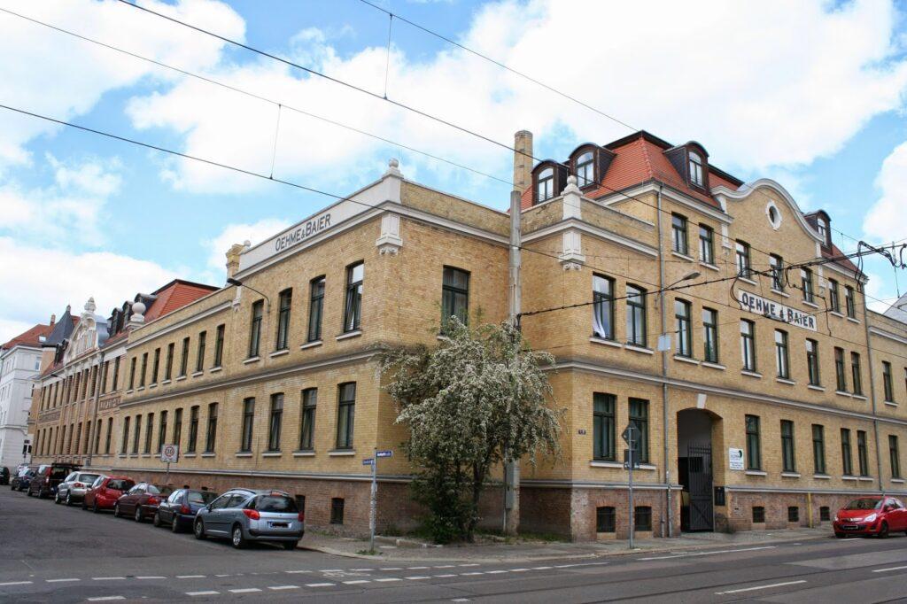 Blick von der Virchowstr. aus - früher Aromafabrik, heute Heim für alte Menschen