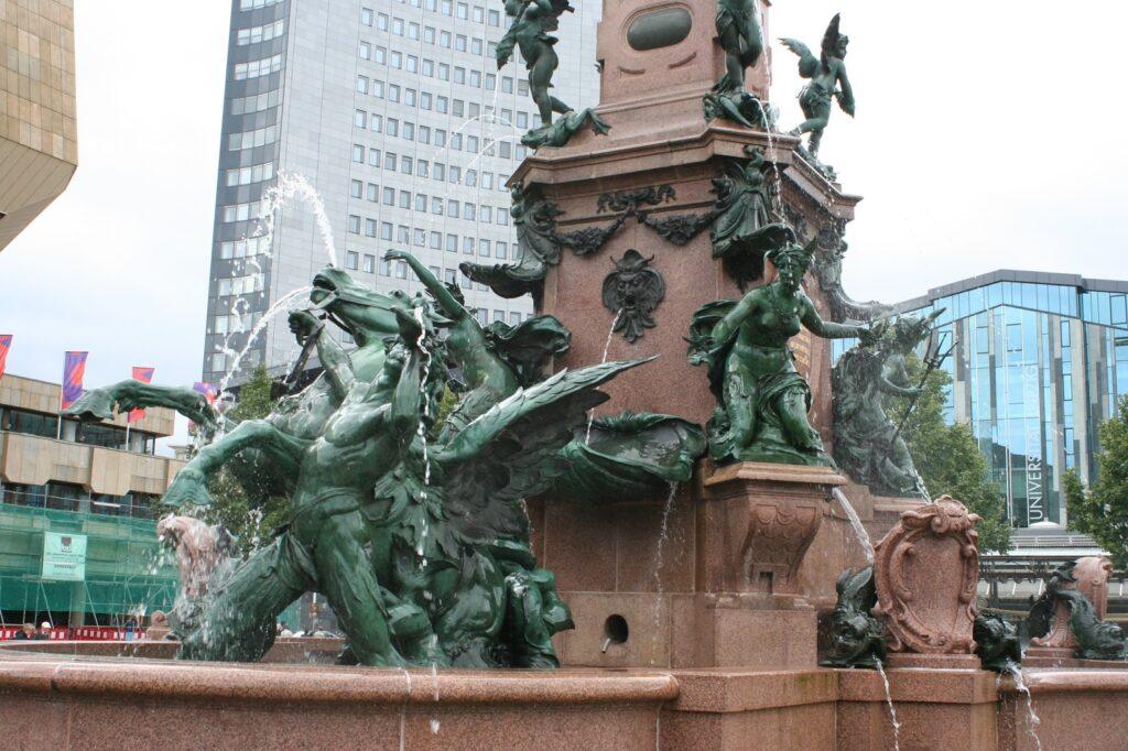 Brunnen auf dem Augustusplatz