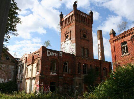 Fabrik Swiderski in Leipzig Planwitz - Verwaltungsgebäude mit Wasserturm