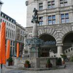 Rathausbrunnen - Rattenfängerbrunnen