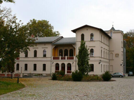 Herrenhaus Möckern - einstiges Rittergut mit Parkanlage