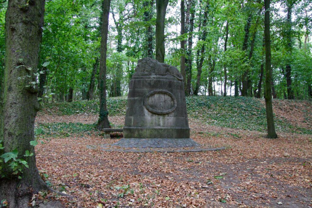 "Kriegerdenkmal ""Löwe"" im Stadtpark"