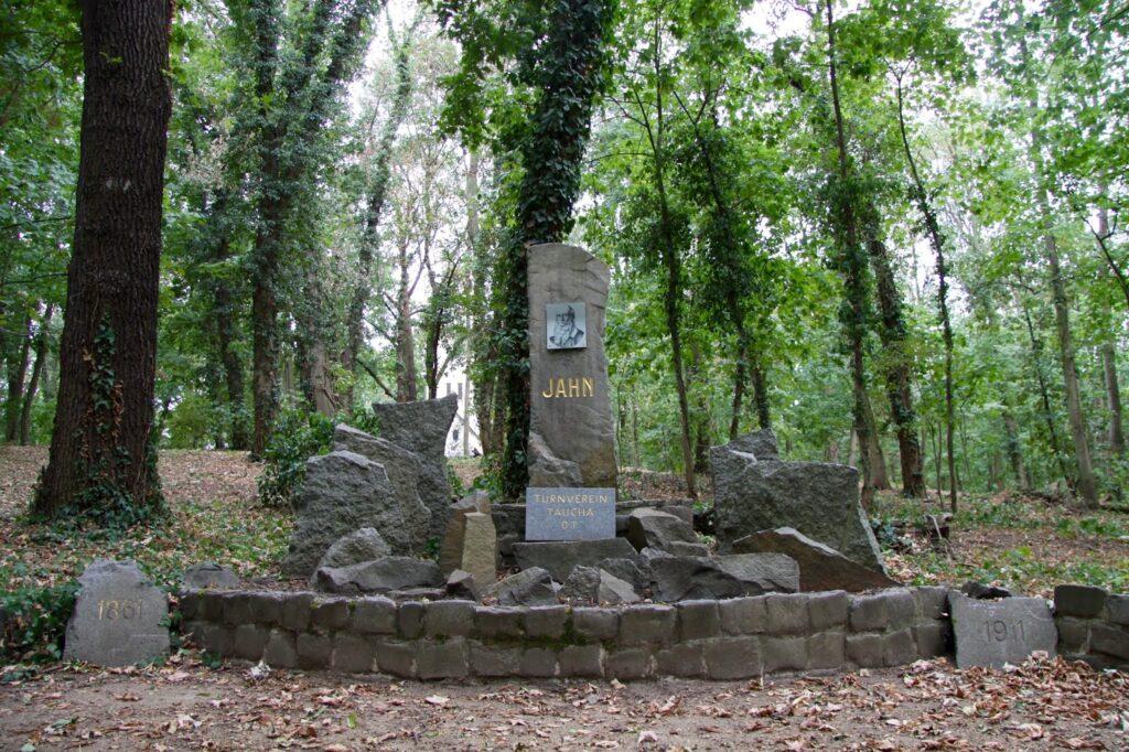 Turnvater-Jahn-Denkmal im Park