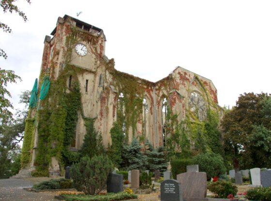 Kirchenruine im Markkleeberger Stadtteil Wachau
