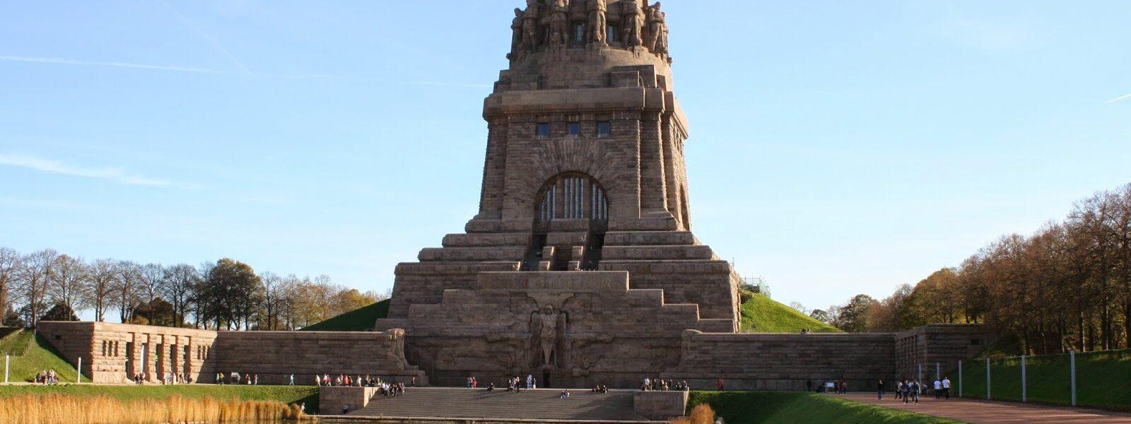 Von 1898 bis 1913 zur Einweihung wurde das Völkerschlachtdenkmal gebaut