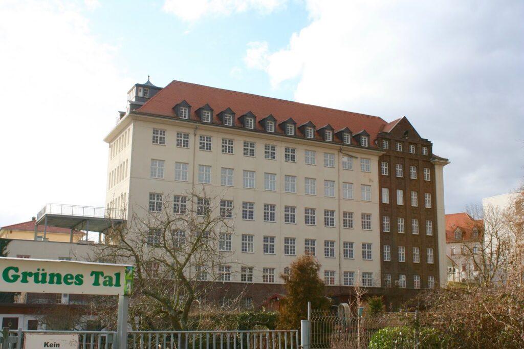 ehem.  Produktionsstätte der Schokoladenfabrik Riquet, später KONSÜ in Markkleeberg