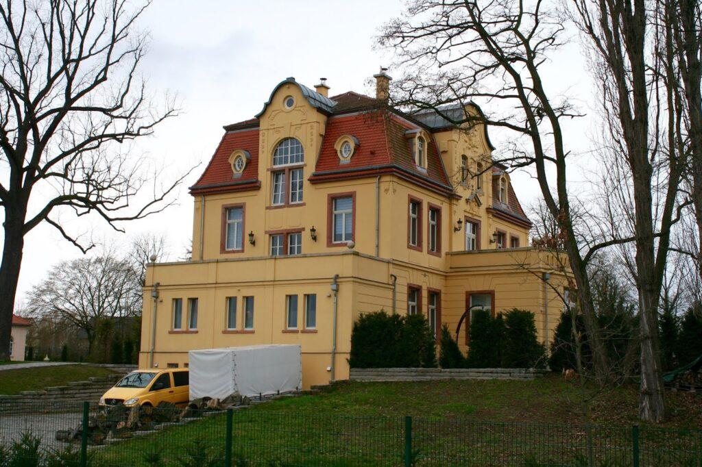 Barockes Herrenhaus Großdeuben, um 1730 erbaut