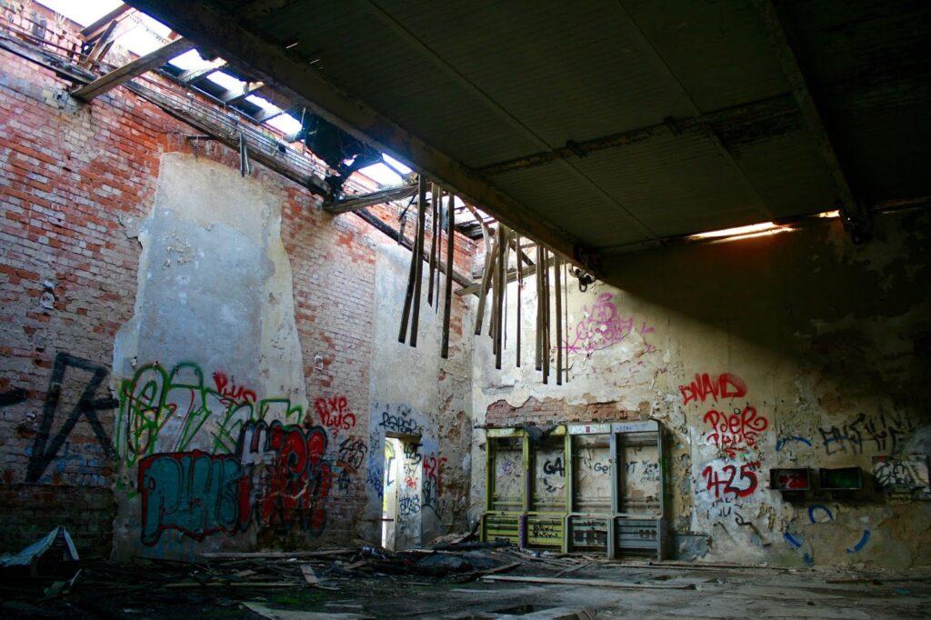 Verfall in den Hallen des VEB Jutespinnerei Texafol