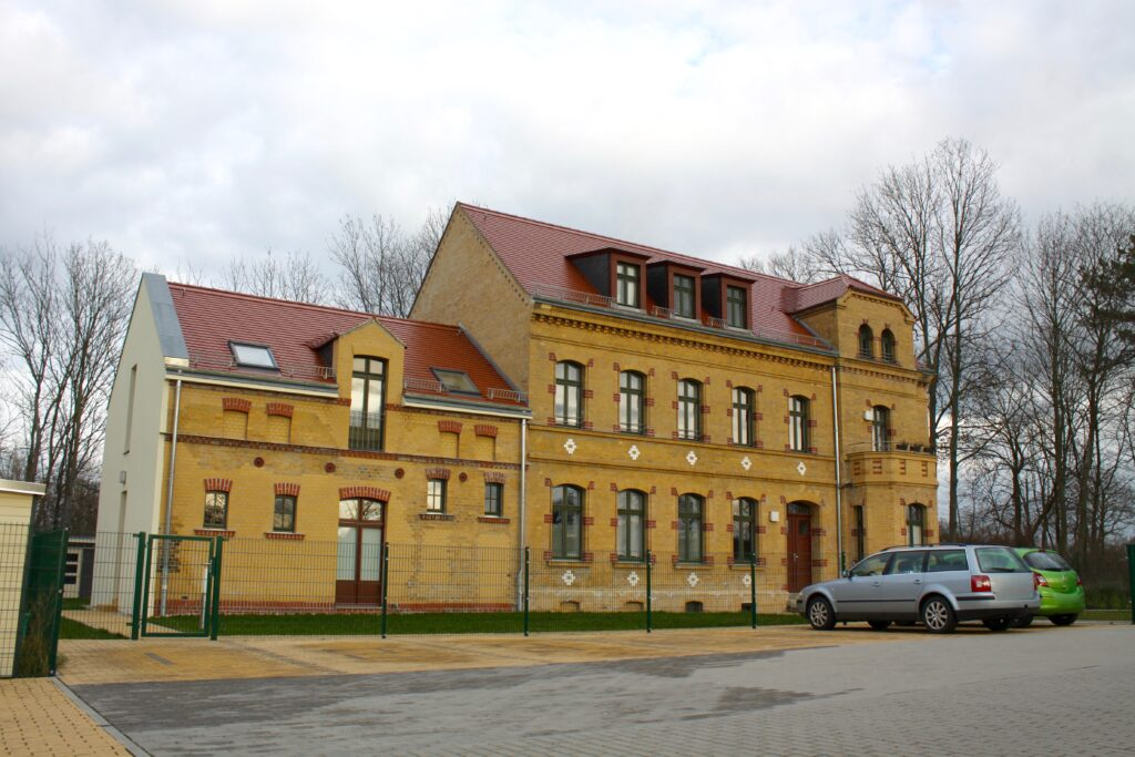 ehemalige Ziegelei Julius Kornagel in Leipzig Stötteritz - Fabrikantenvilla mit Remisenanbau