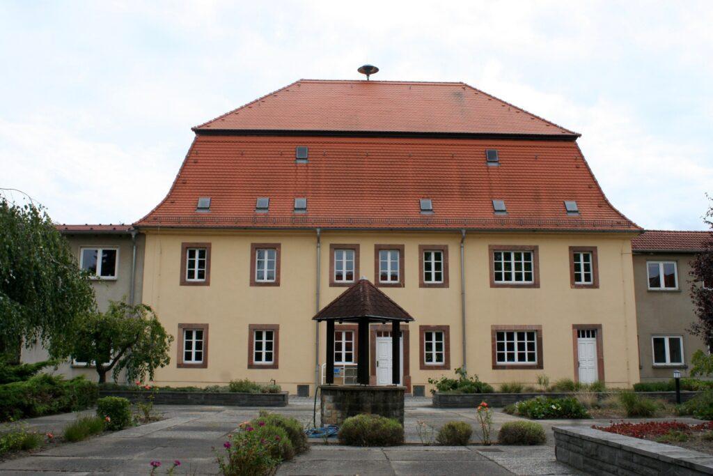 vom Herrenhaus zum Institut für landwirtschaftliche Betriebslehre für Lehr- und Forschungszwecke in Cunnersdorf