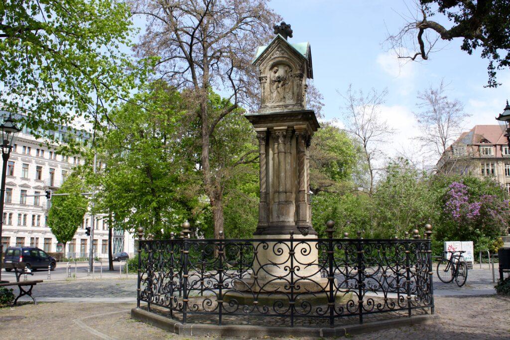 Altes Bach-Denkmal am Leipziger Dittrichring - am 23.04.1843 eingeweiht