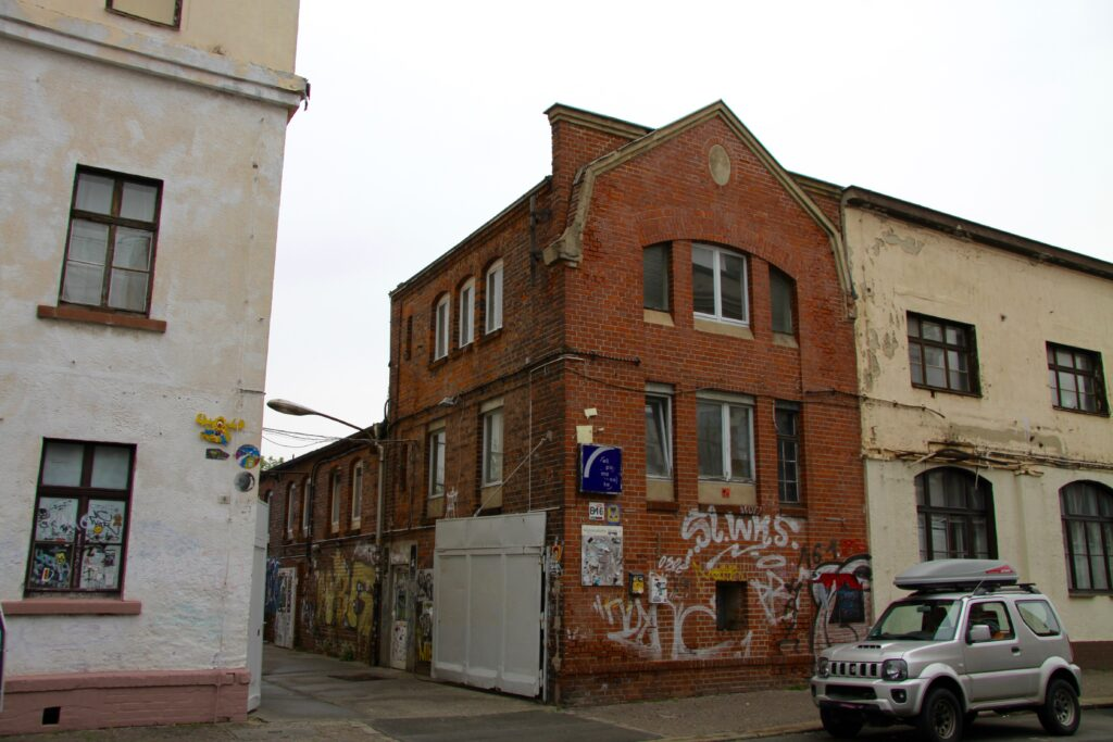 Industriebauten in Plagwitz - ehemaliges Fabrikgebäude der Drahtstiftefabrik Max Billhardt in der Markranstädter Straße 4