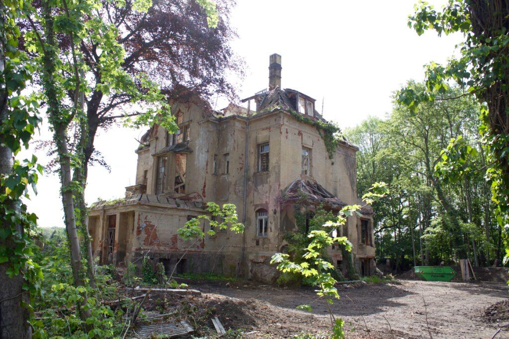 die Villa in der Leutzscher Hans-Driesch-Straße wurde um 1909 errichtet