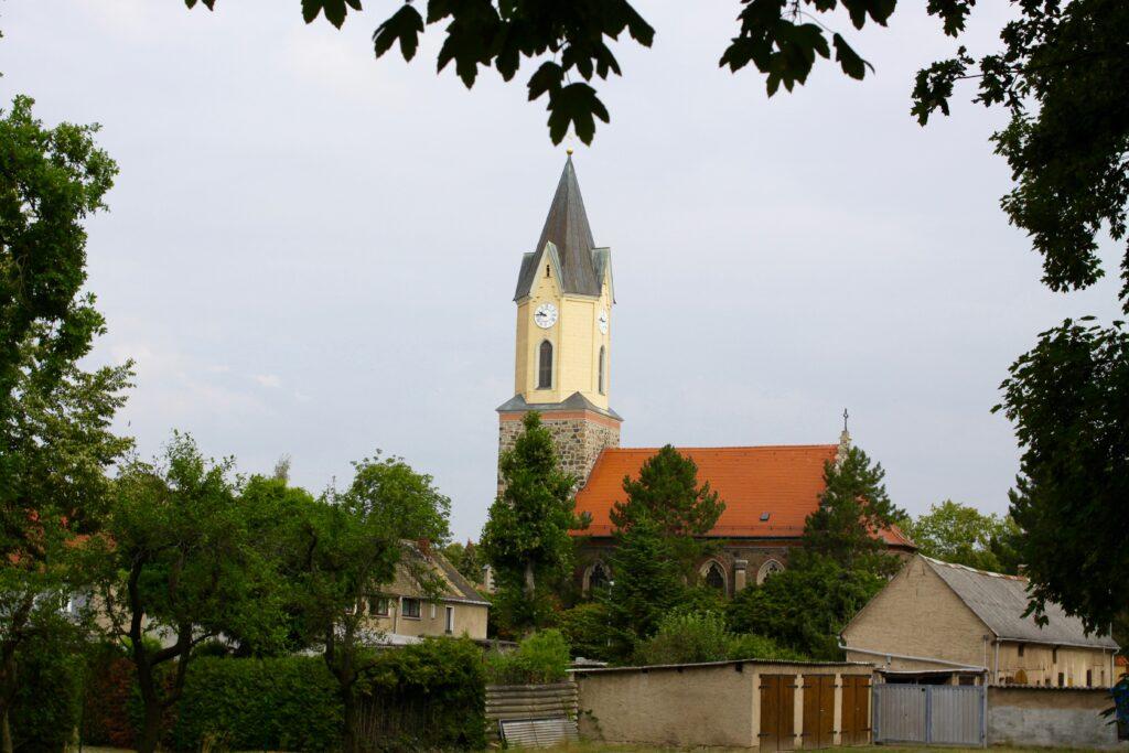Evangelisch-Lutherische Kirche Sommerfeld am Arnoldplatz im jetzigen Stadtteil Engelsdorf