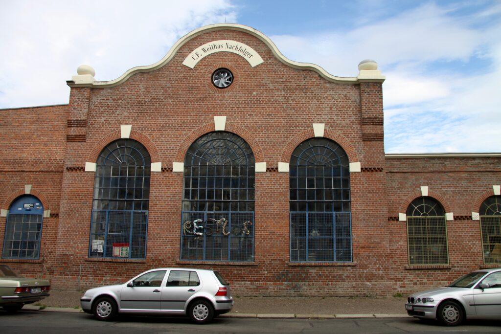 Industriebauten im Stadtteil Plagwitz wie diese - ehemalige Eisengroßhandlung und Eisenbau C. F. Weithas Nachfolger