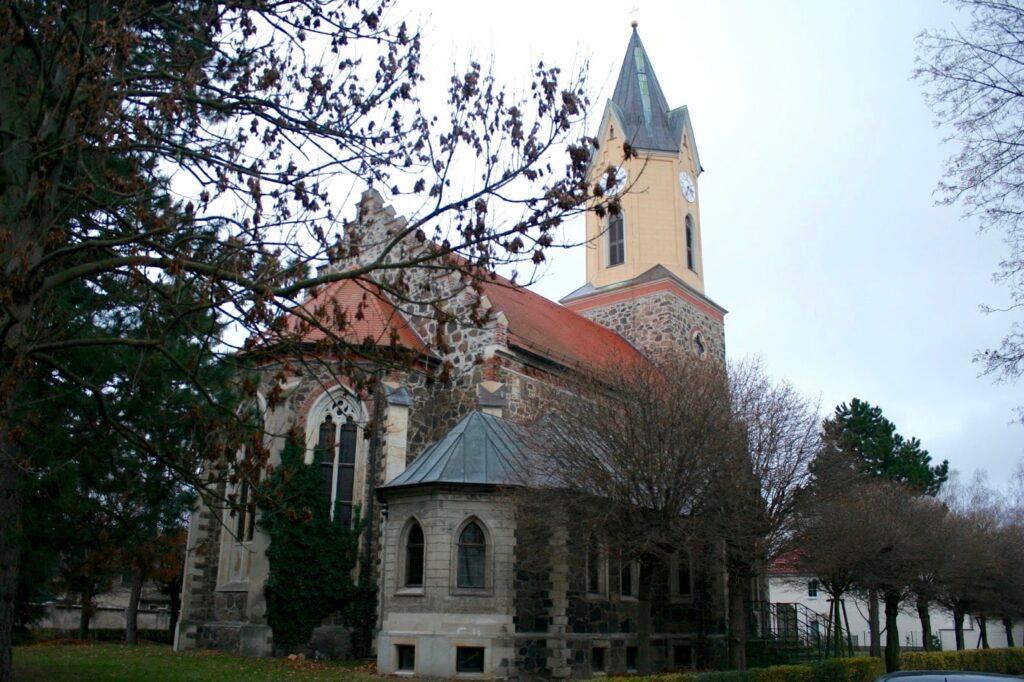 Kirche im Stadtteil Sommerfeld - 1859 erbaut und im 2.ten Weltkrieg ausgebrannt