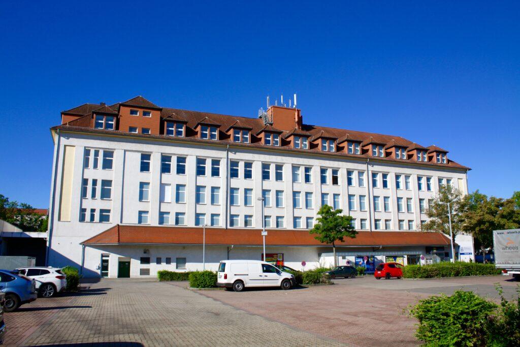 ab 1939 durch die Köllmann-Werke erbaut - 5 stöckiger Hochbau an der Torgauer Straße 74, ehemaliges Stadtarchiv