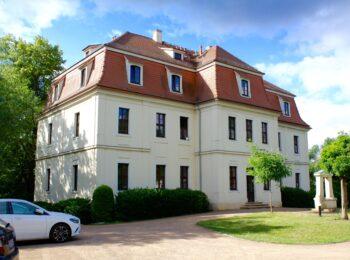 ehemaliges Rittergutsgebäude im Stadtteil Wahren