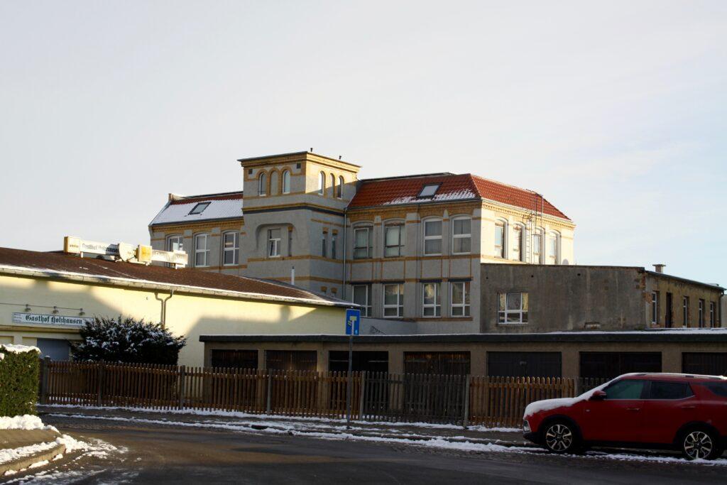 ehemaliger Verwaltungs- und Werkstattbau von Krautzberger & Co. in Holzhausen