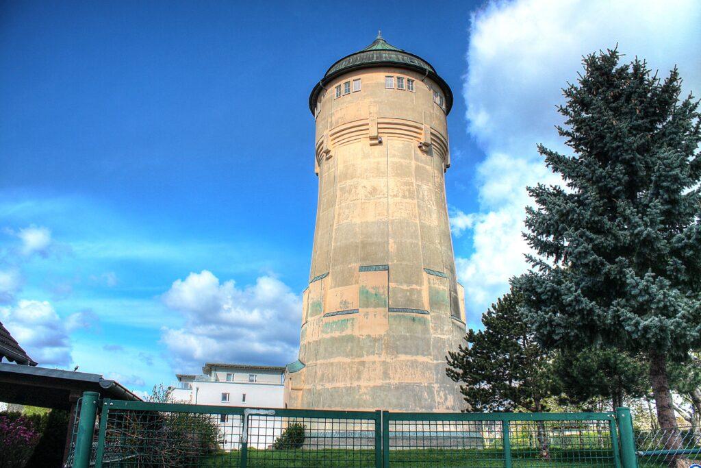 40 Meter hoher Wasserturm am Pirolweg 7 in Wahren