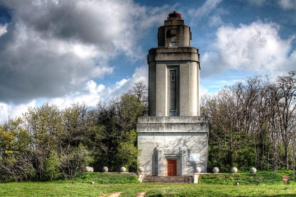 Bismarckturm als Aussichtspunkt mit einer Höhe von 30,75 Metern