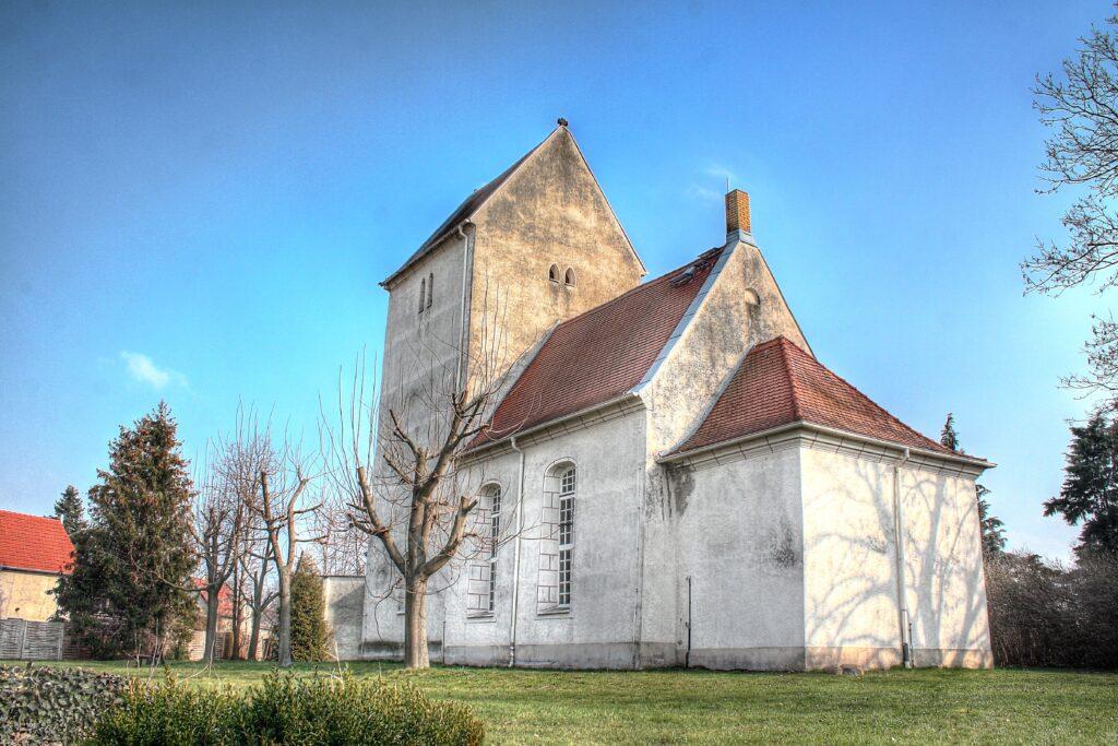 Kirche im Stadtteil Hirschfeld - errichtet im 13.ten Jahrhundert