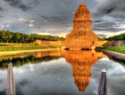 Völkerschlachtdenkmal in der Abendsonne