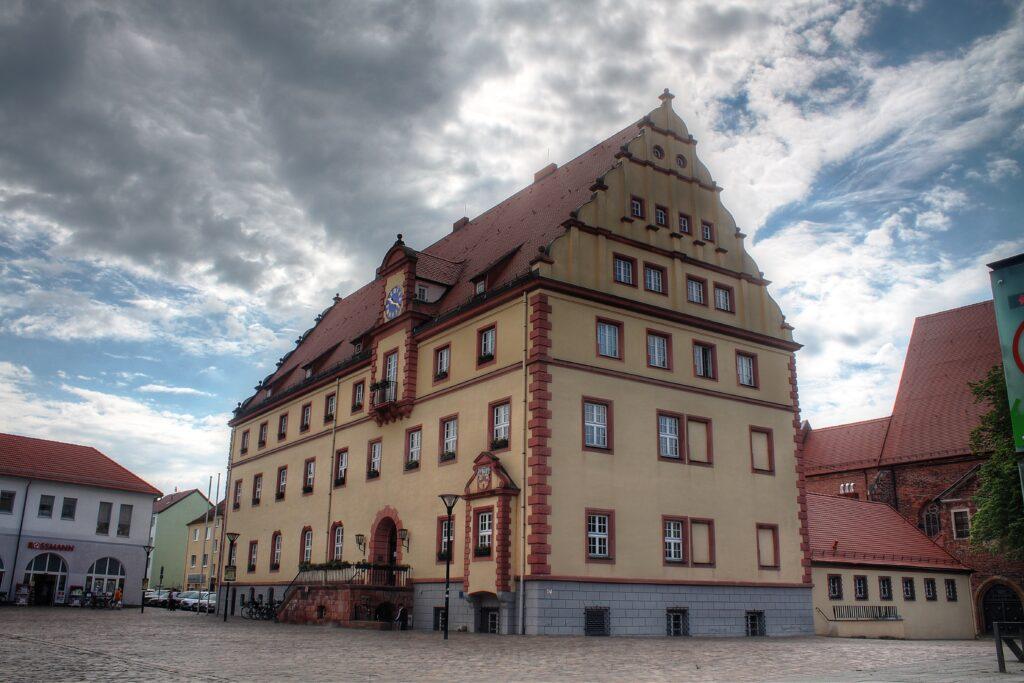 das Eilenburger Rathaus wurde im 2.ten Weltkrieg fast komplett zerstört und wieder aufgebaut
