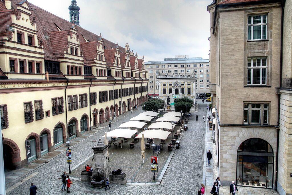 Naschmarkt vor der Alten Handelsbörse - 1556 im Zuge des Rathausbaus angelegt