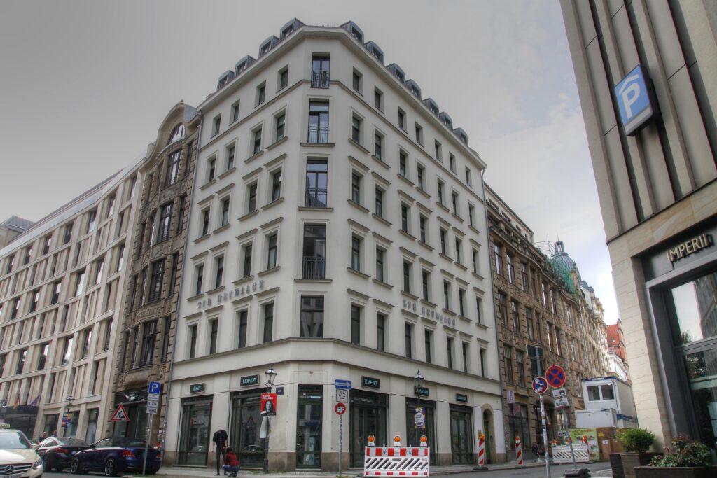 """Wohn- und Geschäftshaus """"Zur Heuwaage"""" in der Innenstadt"""
